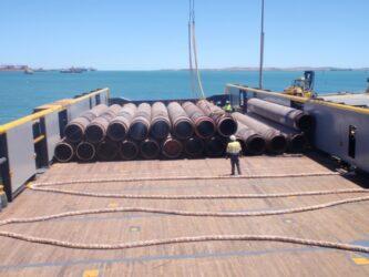 unloading pipe shipment