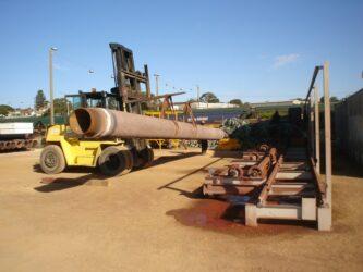 bobcat lifting pipe